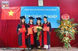 lễ trao bằng tốt nghiệp Trung cấp chính quy đợt 2 năm 2018 ảnh 6 trường Trung cấp Công nghệ và Quản trị Đông Đô