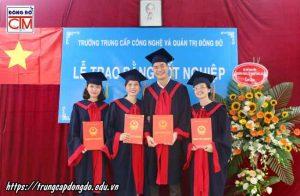 lễ trao bằng tốt nghiệp Trung cấp chính quy đợt 2 năm 2018 ảnh 8 trường Trung cấp Công nghệ và Quản trị Đông Đô