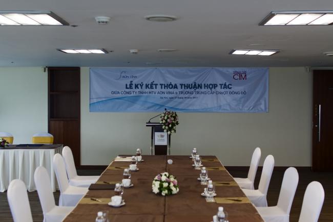 Lễ ký kết hợp tác với Công ty TNHH MTV AON VINA ảnh 1 trường Trung cấp Công nghệ và Quản trị Đông Đô