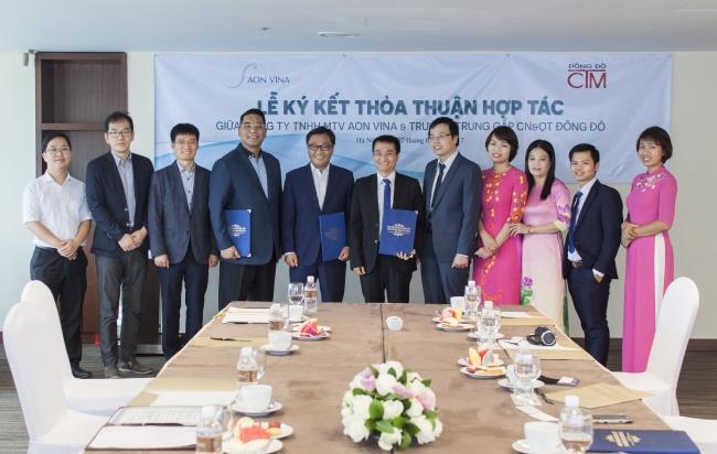 Lễ ký kết hợp tác với Công ty TNHH MTV AON VINA ảnh 4 trường Trung cấp Công nghệ và Quản trị Đông Đô