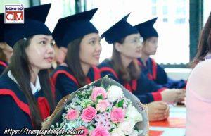 lễ trao bằng tốt nghiệp Trung cấp chính quy đợt 1 năm 2018 ảnh 2 trường Trung cấp Công nghệ và Quản trị Đông Đô