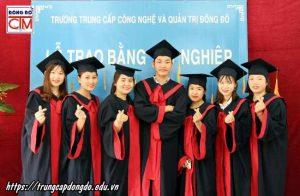 lễ trao bằng tốt nghiệp Trung cấp chính quy đợt 2 năm 2019 ảnh 8 trường Trung cấp Công nghệ và Quản trị Đông Đô