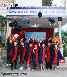 lễ trao bằng tốt nghiệp Trung cấp chính quy đợt 1 năm 2020 ảnh 5 trường Trung cấp Công nghệ và Quản trị Đông Đô