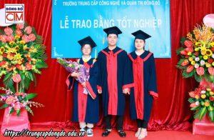 lễ trao bằng tốt nghiệp Trung cấp chính quy đợt 1 năm 2020 ảnh 7 trường Trung cấp Công nghệ và Quản trị Đông Đô