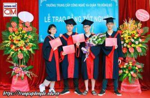lễ trao bằng tốt nghiệp Trung cấp chính quy đợt 1 năm 2020 ảnh 8 trường Trung cấp Công nghệ và Quản trị Đông Đô