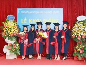 lễ trao bằng tốt nghiệp Trung cấp chính quy đợt 2 năm 2020 ảnh 12 trường Trung cấp Công nghệ và Quản trị Đông Đô