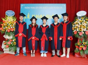 lễ trao bằng tốt nghiệp Trung cấp chính quy đợt 2 năm 2020 ảnh 2 trường Trung cấp Công nghệ và Quản trị Đông Đô