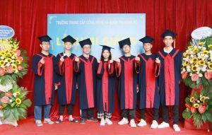 lễ trao bằng tốt nghiệp Trung cấp chính quy đợt 2 năm 2020 ảnh 3 trường Trung cấp Công nghệ và Quản trị Đông Đô