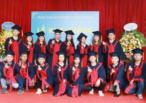 lễ trao bằng tốt nghiệp Trung cấp chính quy đợt 2 năm 2020 ảnh 5 trường Trung cấp Công nghệ và Quản trị Đông Đô