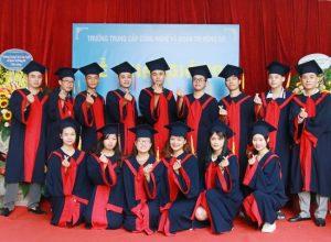 lễ trao bằng tốt nghiệp Trung cấp chính quy đợt 2 năm 2020 ảnh 6 trường Trung cấp Công nghệ và Quản trị Đông Đô