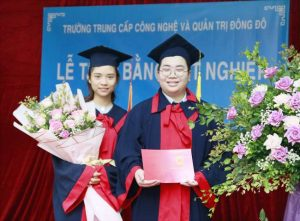 lễ trao bằng tốt nghiệp Trung cấp chính quy đợt 1 năm 2021 ảnh 10 trường Trung cấp Công nghệ và Quản trị Đông Đô