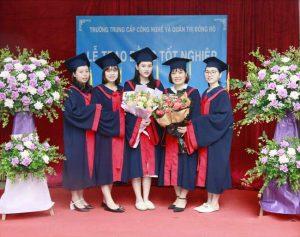 lễ trao bằng tốt nghiệp Trung cấp chính quy đợt 1 năm 2021 ảnh 4 trường Trung cấp Công nghệ và Quản trị Đông Đô