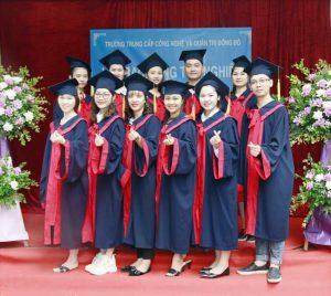 lễ trao bằng tốt nghiệp Trung cấp chính quy đợt 1 năm 2021 ảnh 5 trường Trung cấp Công nghệ và Quản trị Đông Đô