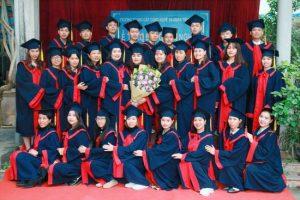 lễ trao bằng tốt nghiệp Trung cấp chính quy đợt 3 năm 2020 ảnh 3 trường Trung cấp Công nghệ và Quản trị Đông Đô