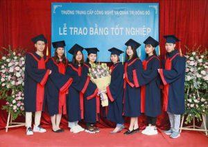 lễ trao bằng tốt nghiệp Trung cấp chính quy đợt 3 năm 2020 ảnh 5 trường Trung cấp Công nghệ và Quản trị Đông Đô