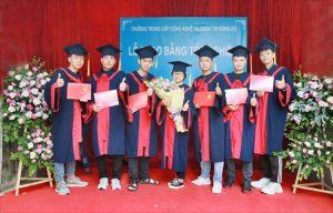 lễ trao bằng tốt nghiệp Trung cấp chính quy đợt 3 năm 2020 ảnh 6 trường Trung cấp Công nghệ và Quản trị Đông Đô