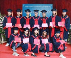 lễ trao bằng tốt nghiệp Trung cấp chính quy đợt 3 năm 2020 ảnh 7 trường Trung cấp Công nghệ và Quản trị Đông Đô