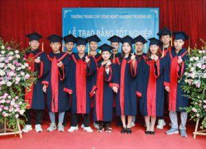 lễ trao bằng tốt nghiệp Trung cấp chính quy đợt 3 năm 2020 ảnh 8 trường Trung cấp Công nghệ và Quản trị Đông Đô